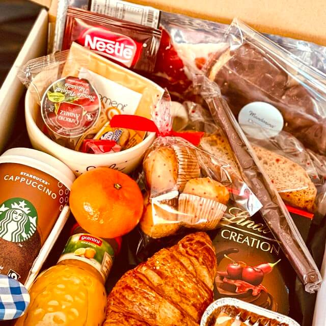 Surprise daddy with something he is sure to love! Our breakfast box contains everything you need to blow his mind