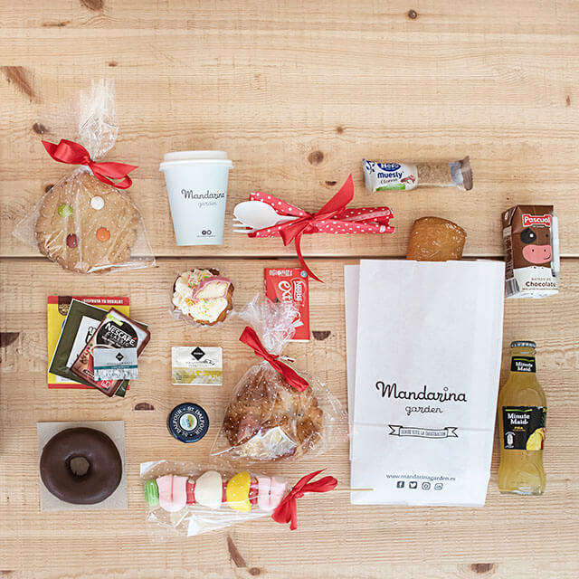 Details of the medium surprise breakfast box products at home