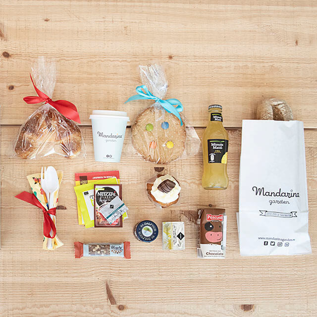 Details of the small surprise breakfast box products at home